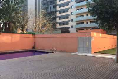 Уютная квартира с бассейном у моря в Барселоне